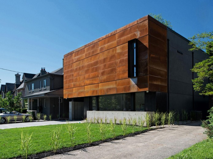 Heathdale-contemporary-single-family-home-by-TACT-Design-INC-01