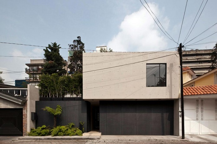 Hill-studio-home-designed-for-a-music-producer-and-artist-by-CCA-02