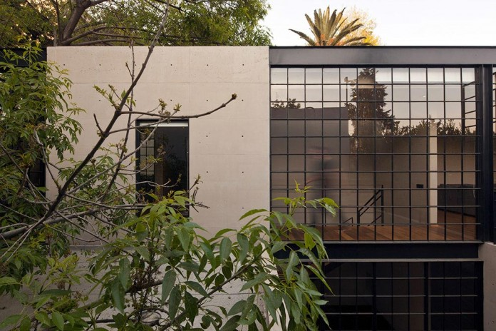 Hill-studio-home-designed-for-a-music-producer-and-artist-by-CCA-03