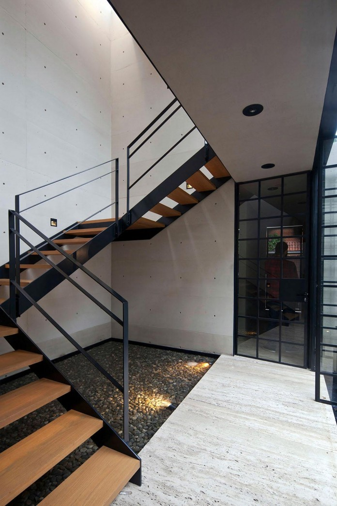 Hill-studio-home-designed-for-a-music-producer-and-artist-by-CCA-12