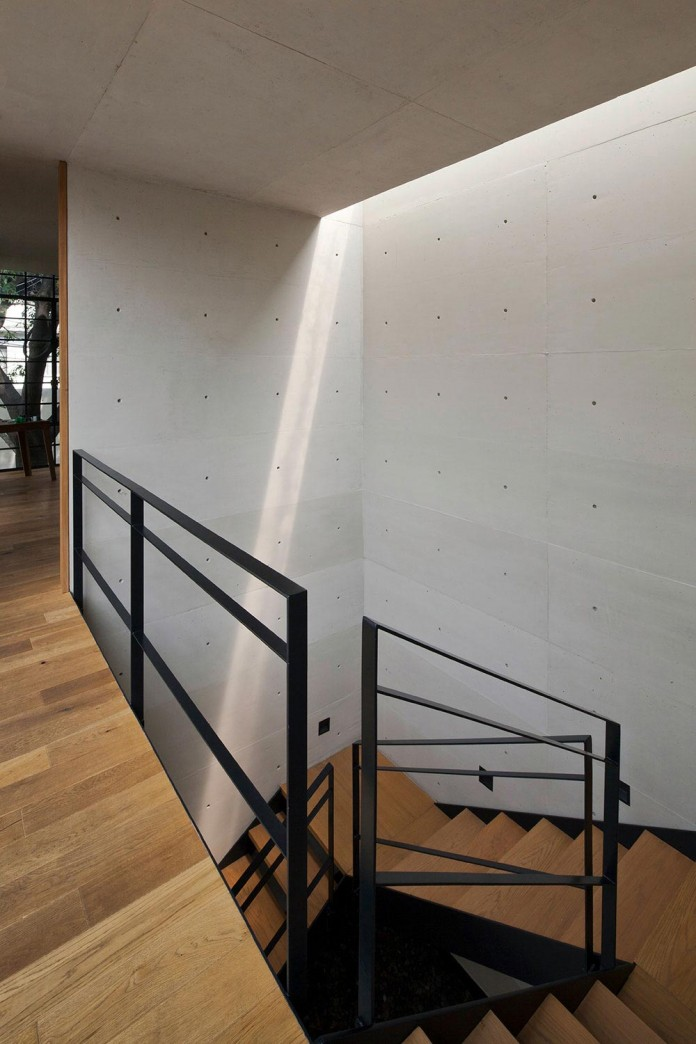 Hill-studio-home-designed-for-a-music-producer-and-artist-by-CCA-13