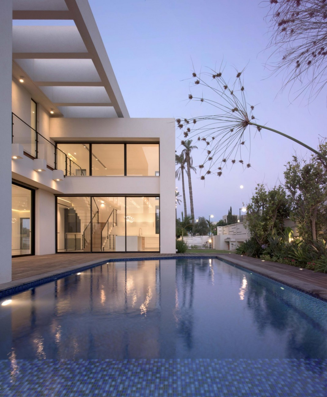 House N near the old roman city of Caesarea by Israel Nottes Architects