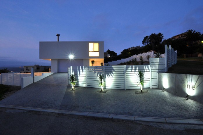 House-One-by-Studiovision-Architecture-17
