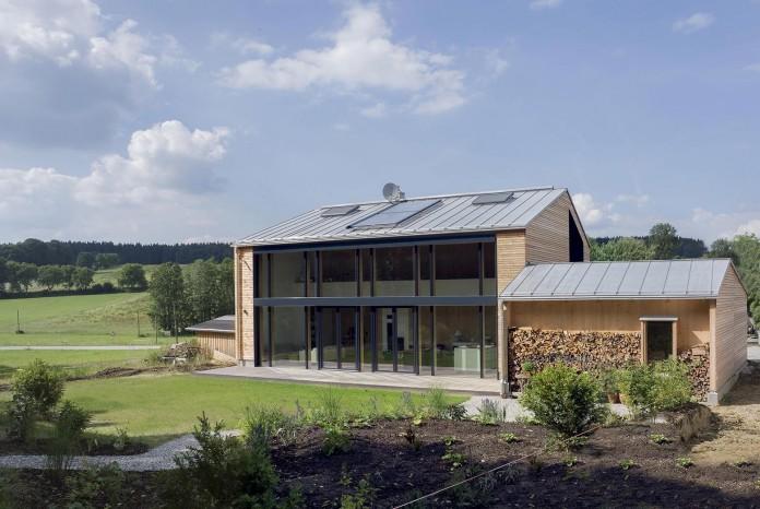 House-W-by-Wolfertstetter-Architektur-01