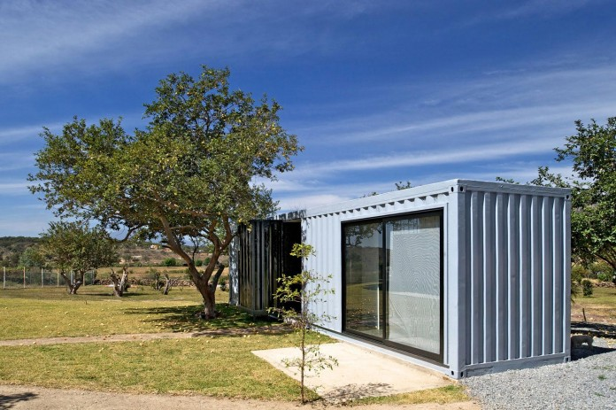 Huiini-House-made-of-four-shipping-containers,-located-in-the-Primavera-forest-by-S+-Diseno-03