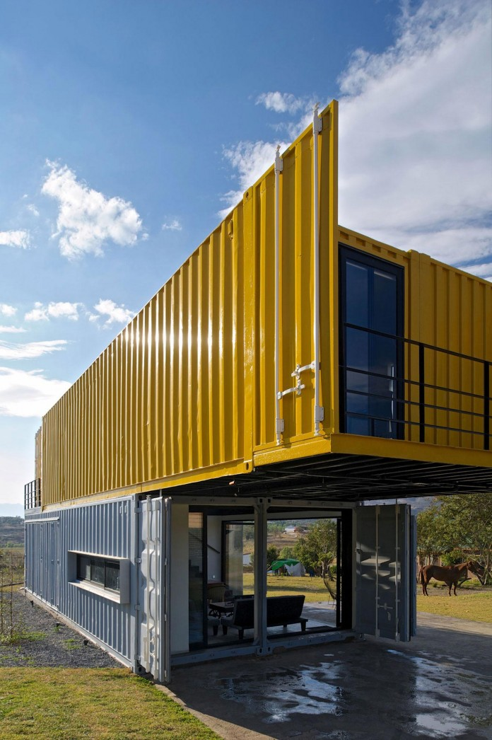 Huiini House Made Of Four Shipping Containers Located In