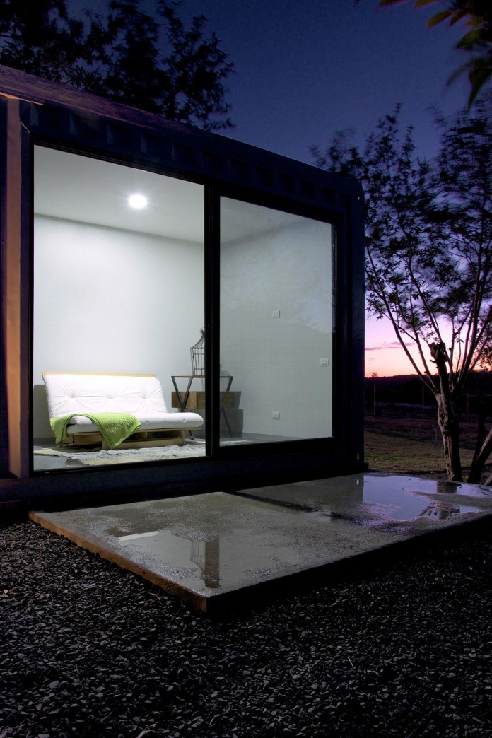 Huiini-House-made-of-four-shipping-containers,-located-in-the-Primavera-forest-by-S+-Diseno-15