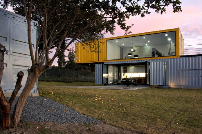 Huiini-House-made-of-four-shipping-containers,-located-in-the-Primavera-forest-by-S+-Diseno-16