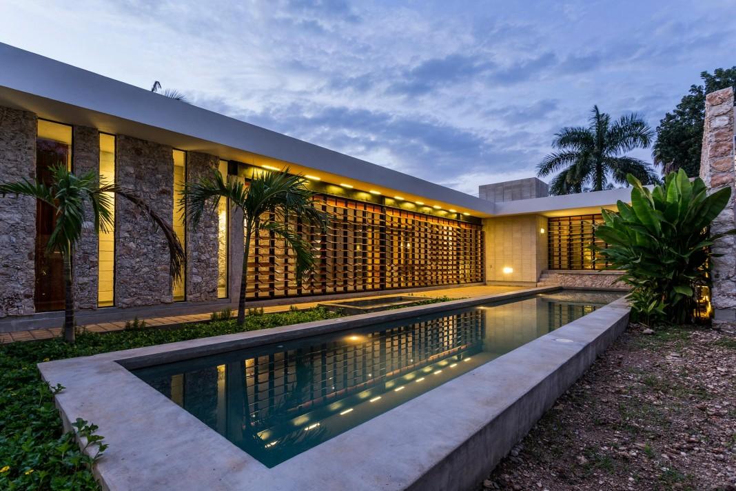 JA Cholul House by Taller Estilo Arquitectura