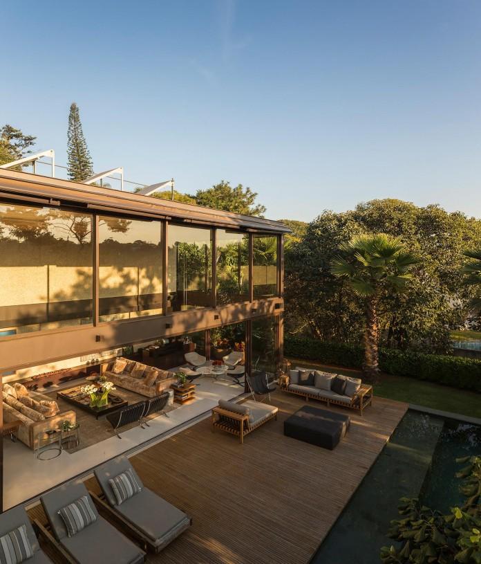 Limantos-Residence-by-Fernanda-Marques-Arquitetos-Associados-01