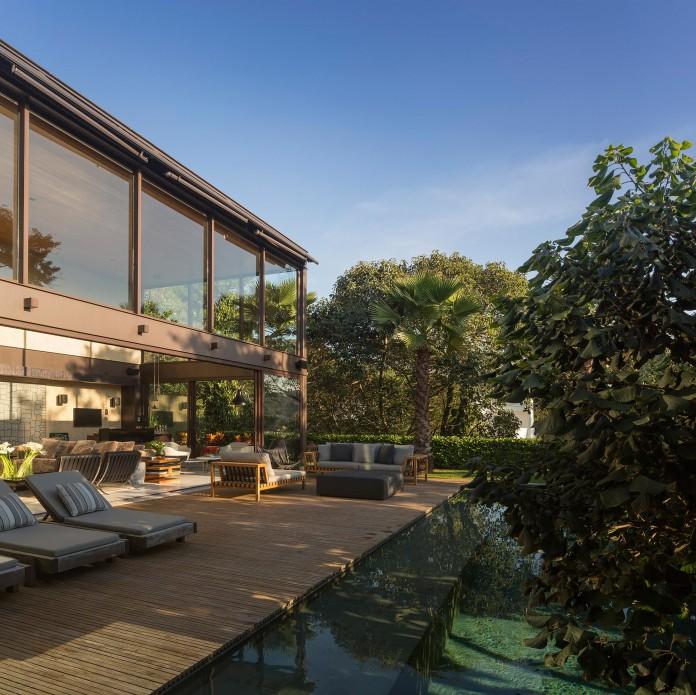 Limantos-Residence-by-Fernanda-Marques-Arquitetos-Associados-02