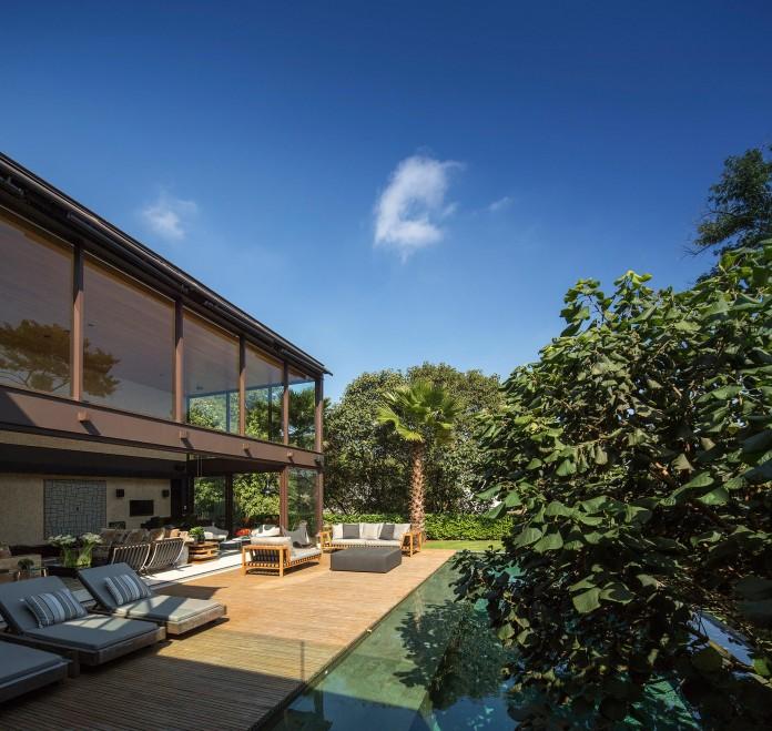 Limantos-Residence-by-Fernanda-Marques-Arquitetos-Associados-03