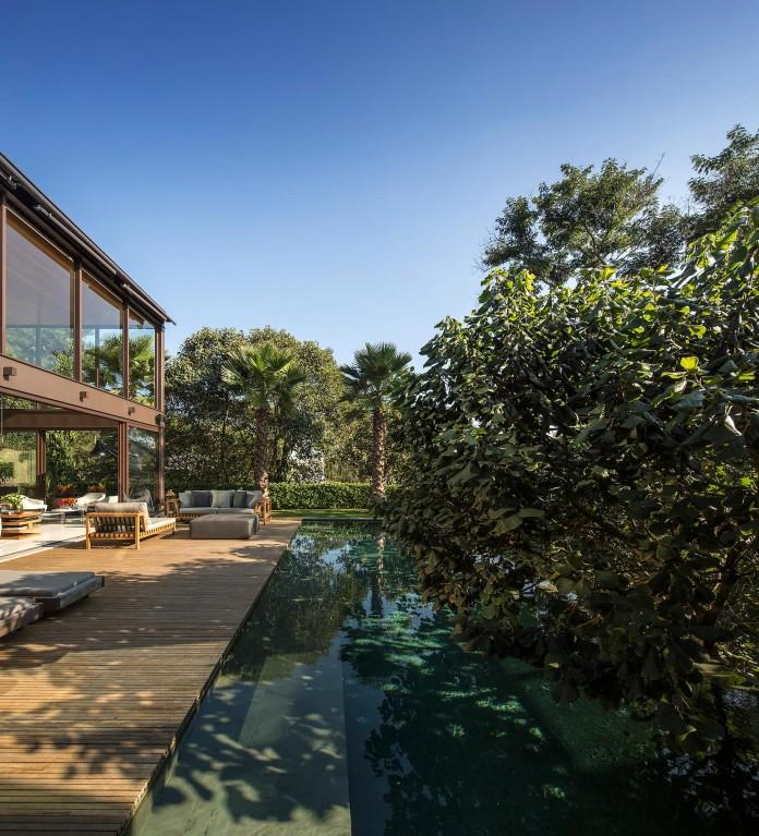 Limantos-Residence-by-Fernanda-Marques-Arquitetos-Associados-04
