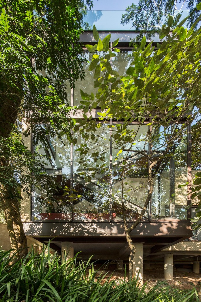 Limantos-Residence-by-Fernanda-Marques-Arquitetos-Associados-06