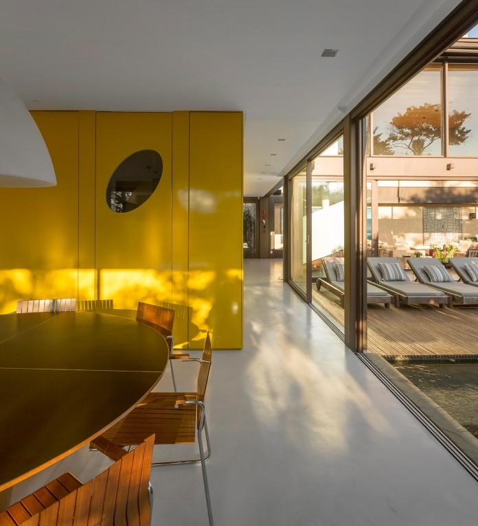 Limantos-Residence-by-Fernanda-Marques-Arquitetos-Associados-17