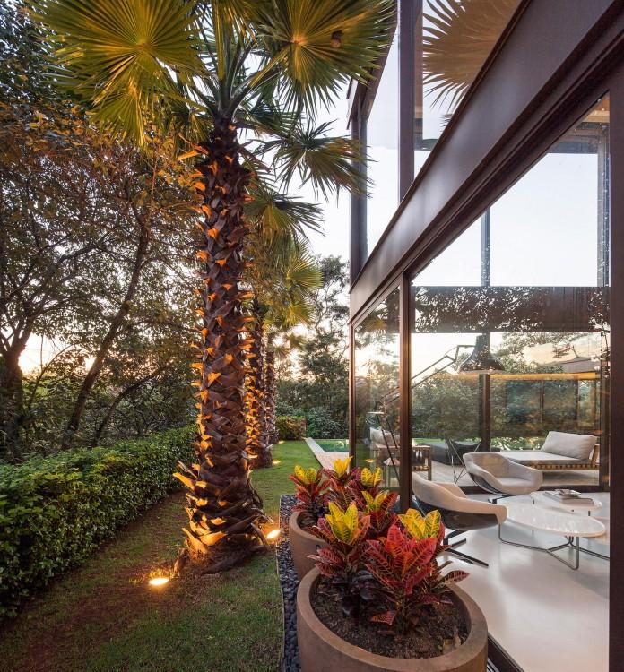 Limantos-Residence-by-Fernanda-Marques-Arquitetos-Associados-24