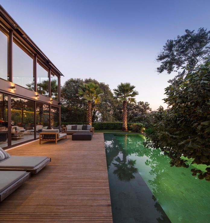 Limantos-Residence-by-Fernanda-Marques-Arquitetos-Associados-27