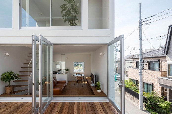 Little-Open-Air-House-with-a-big-Terrace-in-Tokyo-by-Takuro-Yamamoto-05