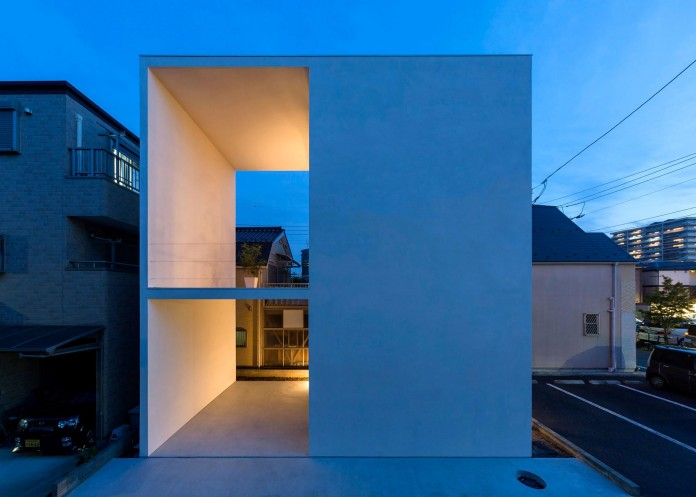 Little-Open-Air-House-with-a-big-Terrace-in-Tokyo-by-Takuro-Yamamoto-19