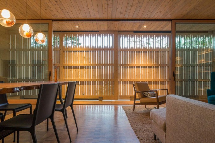 Lone-Madrone-Forrest-Retreat-by-Heliotrope-Architects-13