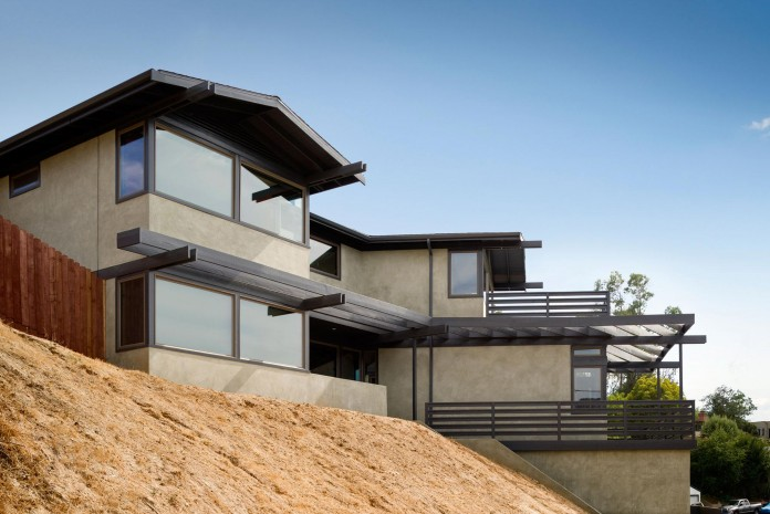 Lopez-House-near-Eagle-Rock-by-Martin-Fenlon-Architecture-01