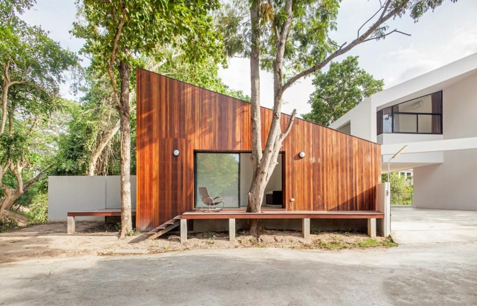 Mae-Kao-Canal-House-by-EKAR-&-Full-Scale-Studio-06