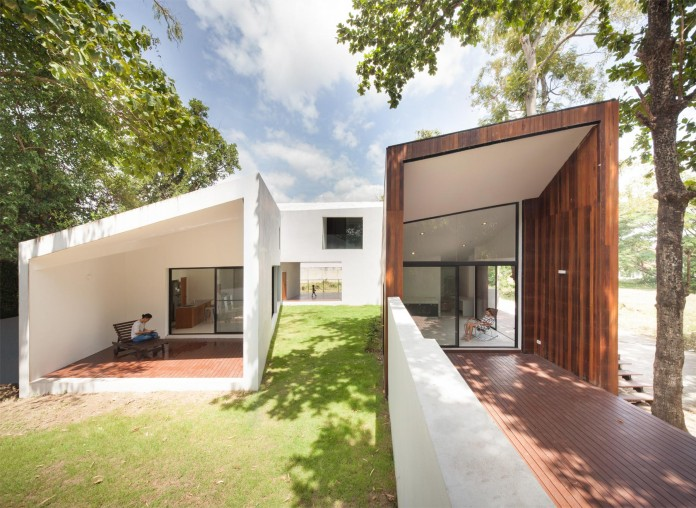 Mae-Kao-Canal-House-by-EKAR-&-Full-Scale-Studio-07