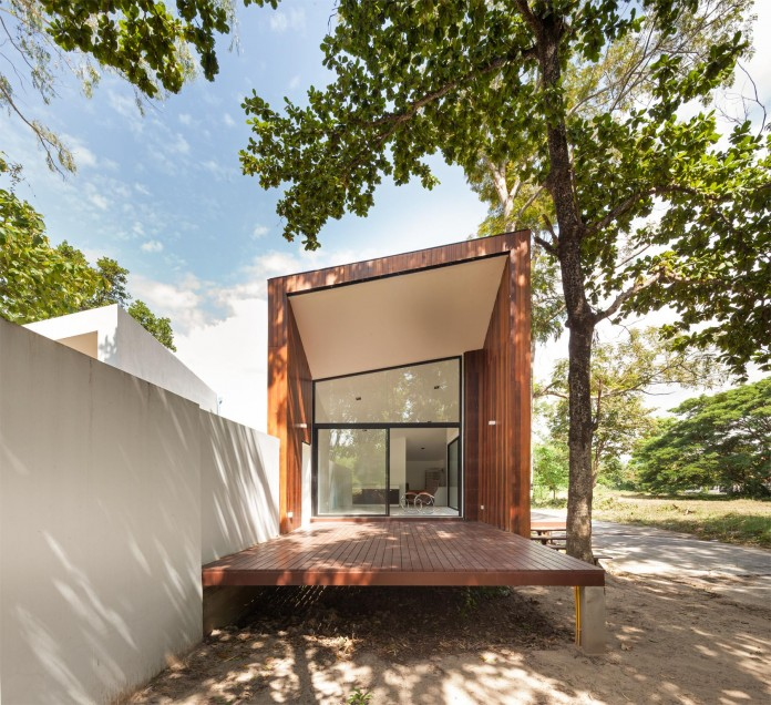 Mae-Kao-Canal-House-by-EKAR-&-Full-Scale-Studio-08