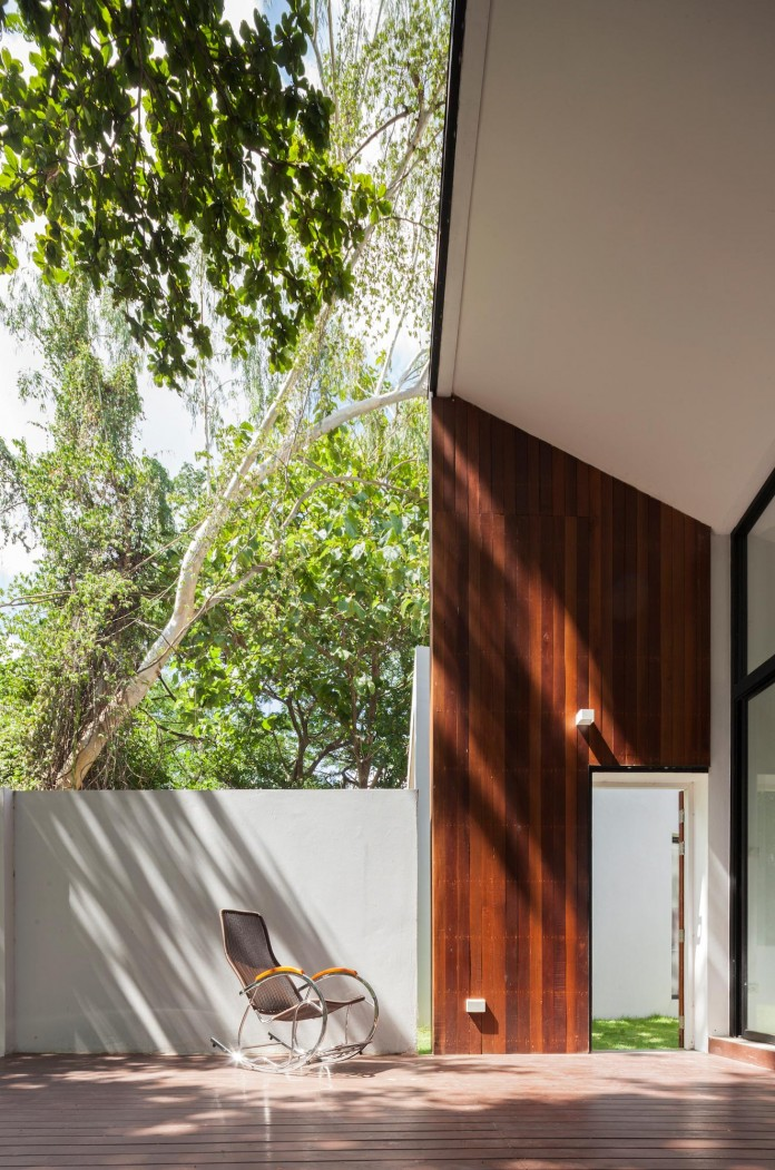 Mae-Kao-Canal-House-by-EKAR-&-Full-Scale-Studio-11