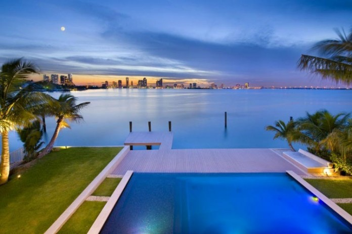 Miami-Beach-Residence-by-Luis-Bosch-03