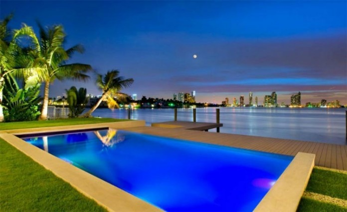 Miami-Beach-Residence-by-Luis-Bosch-05