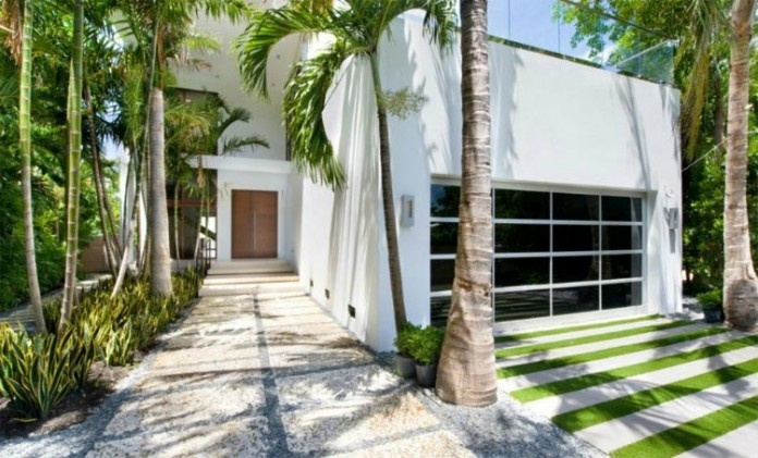 Miami-Beach-Residence-by-Luis-Bosch-06
