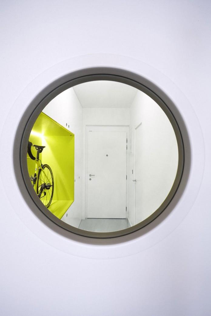 Minimalist-Guest-Apartment-in-Prague-by-Mjolk-Architects-&-DDAANN-01