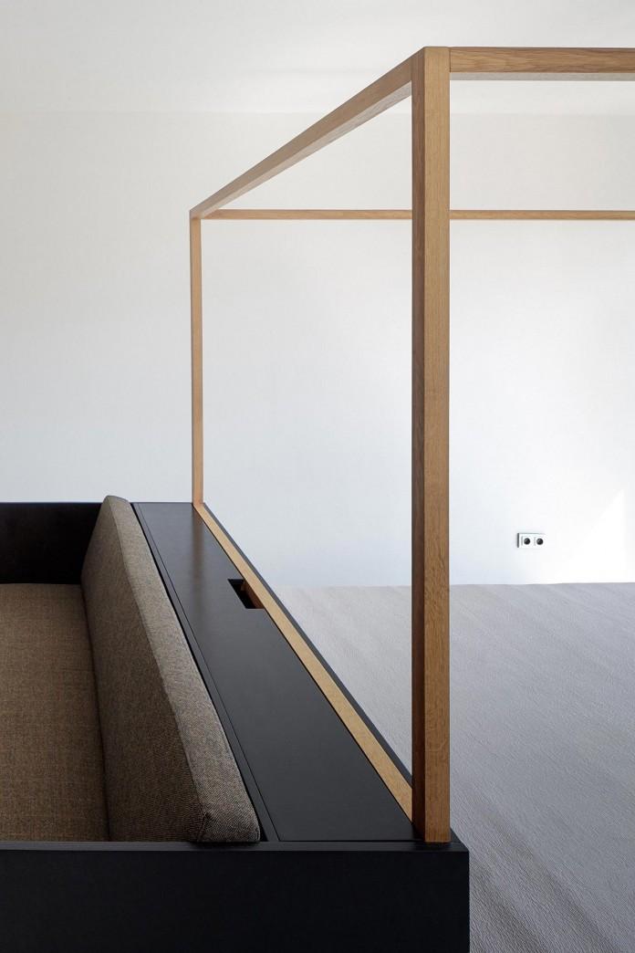 Minimalist-Guest-Apartment-in-Prague-by-Mjolk-Architects-&-DDAANN-05