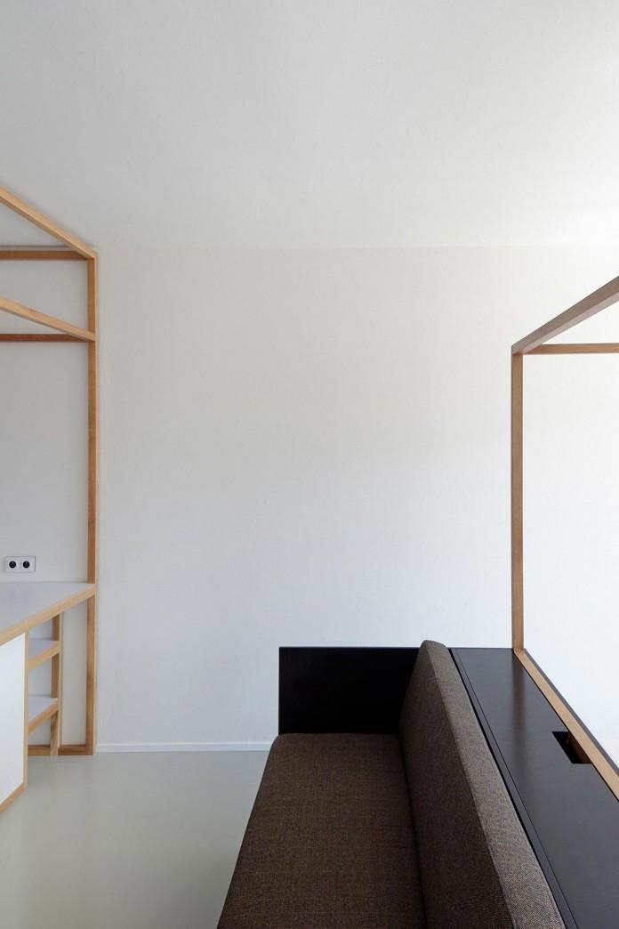 Minimalist-Guest-Apartment-in-Prague-by-Mjolk-Architects-&-DDAANN-06