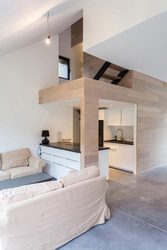 Modern-Barn-Extension-of-a-Eighteenth-Century-Home-in-Lustin-by-Puzzle-s-Architecture-15