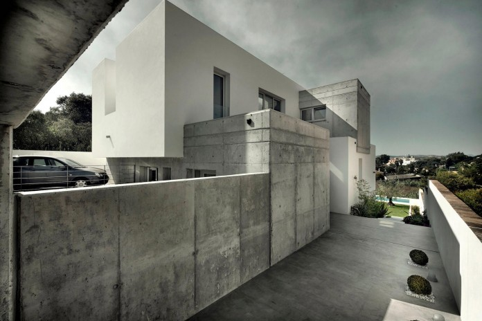 Modern-Manduka-Residence-in-Algeciras-by-Sergio-Suarez-Marchena-02