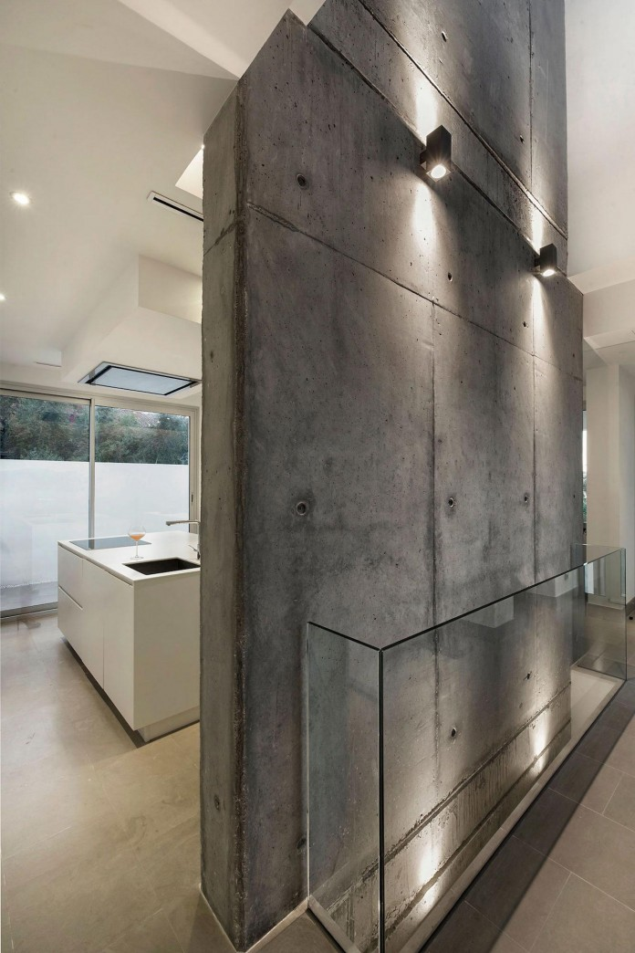 Modern-Manduka-Residence-in-Algeciras-by-Sergio-Suarez-Marchena-06