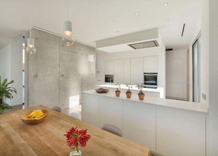 Modern-Manduka-Residence-in-Algeciras-by-Sergio-Suarez-Marchena-07