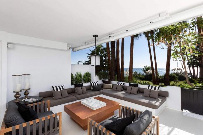 Modern-Puente-Romano-Beach-Home-by-Patricia-Darch-Interiors-01