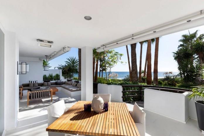 Modern-Puente-Romano-Beach-Home-by-Patricia-Darch-Interiors-02