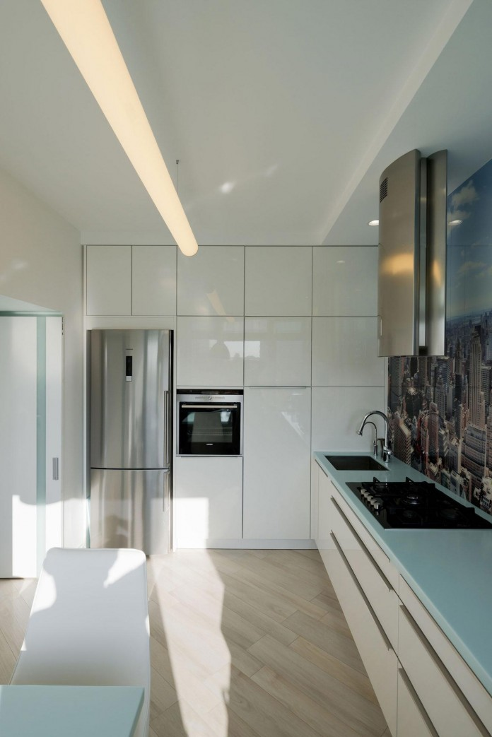 Modern-fully-white-apartment-in-Moscow-by-Shamsudin-Kerimov-16