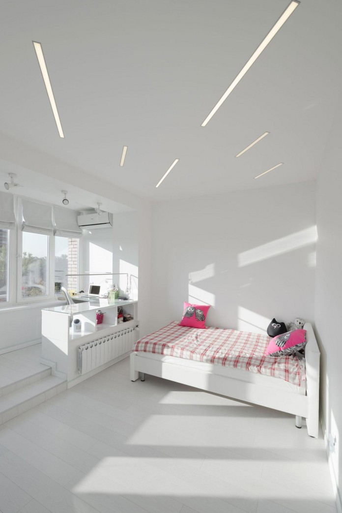 Modern-fully-white-apartment-in-Moscow-by-Shamsudin-Kerimov-22