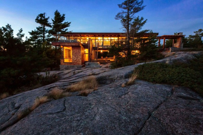Monument-Channel-Cottage-by-CORE-Architects-14