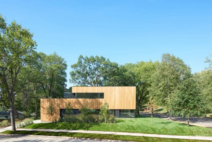 Nordic-Light-home-covered-in-wood-and-designed-by-D-O-07