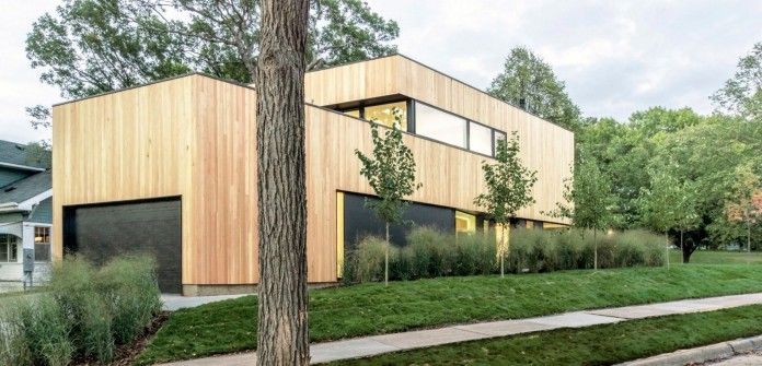 Nordic-Light-home-covered-in-wood-and-designed-by-D-O-08