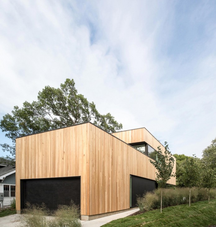 Nordic-Light-home-covered-in-wood-and-designed-by-D-O-09