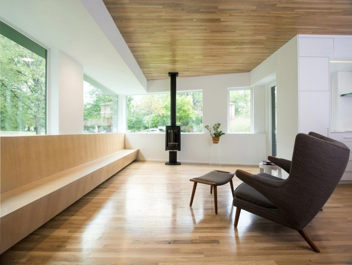 Nordic-Light-home-covered-in-wood-and-designed-by-D-O-11