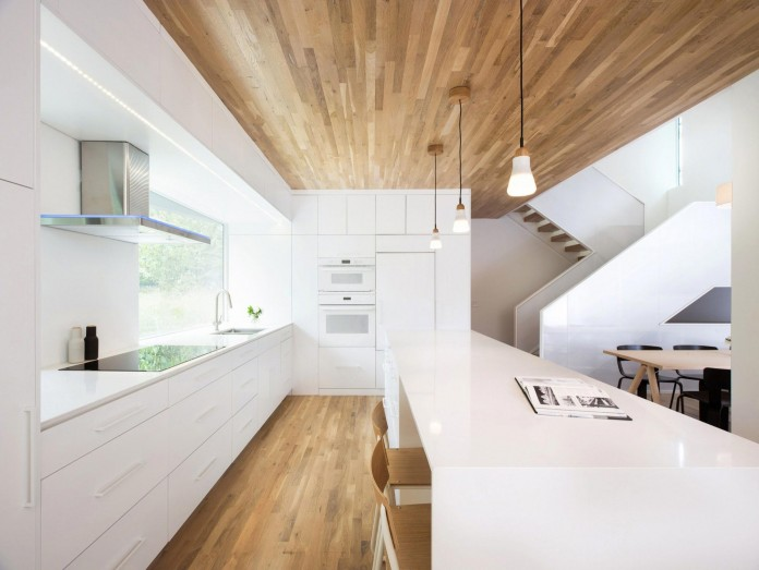 Nordic-Light-home-covered-in-wood-and-designed-by-D-O-12