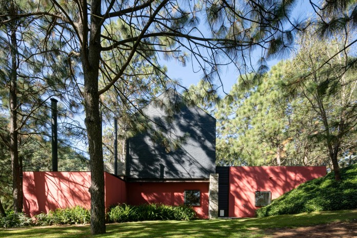 PE-House-by-Andres-Escobar-Taller-Arquitectonica-01